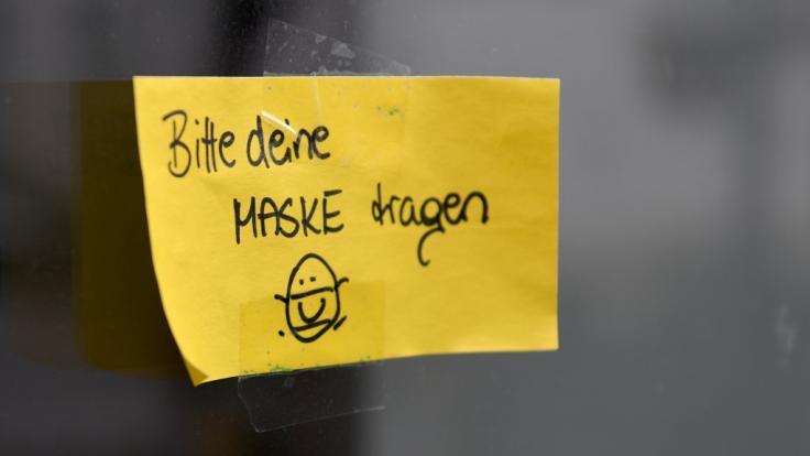 Die Maßnahmen zur Eindämmung der Corona-Pandemie sollen kommende Woche erneut erörtert werden. (Foto)