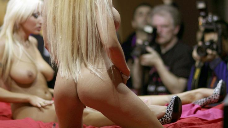 Innerhalb weniger Monate verlor die Porno-Industrie mehrere Sexfilm-Stars durch rätselhafte Todesfälle (Symbolbild). (Foto)