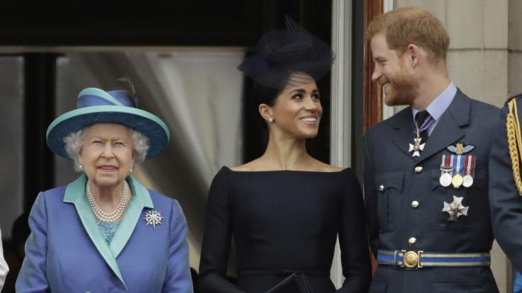Nach dem Interview von Meghan Markle und Prinz Harry hat Queen Elizabeth II. ein Krisengespräch einberufen. (Foto)