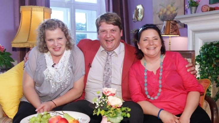 Denise (rechts) wurde 2012 beim Scheunenfest nicht von Bauer Kurt ausgewählt.