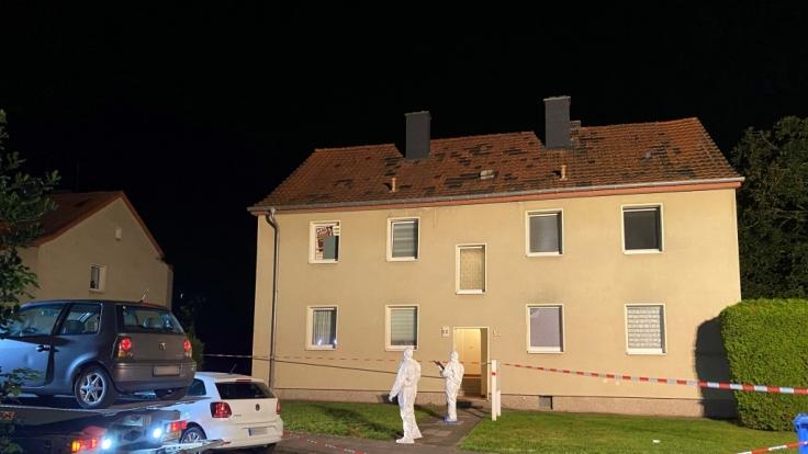 Ein 47 Jahre alter Mann soll am Sonntagabend in Hückelhoven einen 37-Jährigen mit dem Schwert getötet und einen 57-Jährigen verletzt haben. (Foto)