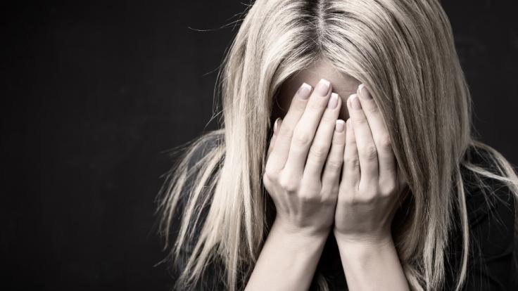 In Indien wurden eine Frau mit einer Eisenstange vergewaltigt. (Symbolbild) (Foto)
