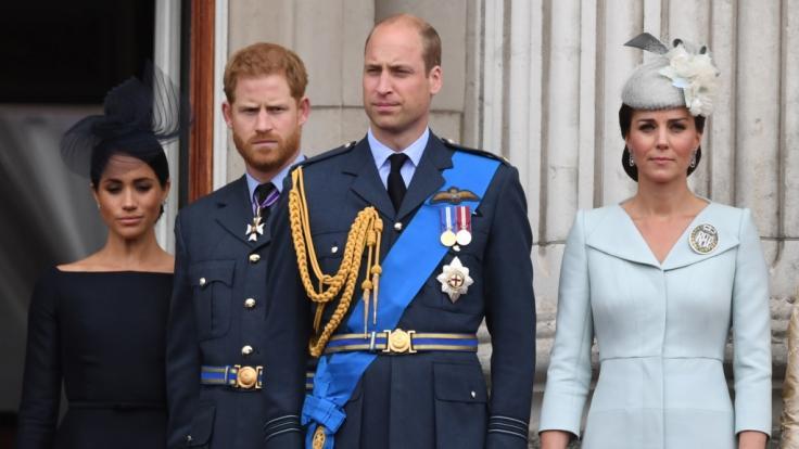 Meghan Markle, Prinz Harry, Prinz William und Kate Middleton: Gute Stimmung sieht anders aus.