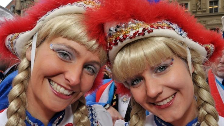Ganz egal ob in Mainz, Köln oder sonst irgendwo: Die Funke-Mariechen dürfen beim Karneval nicht fehlen.