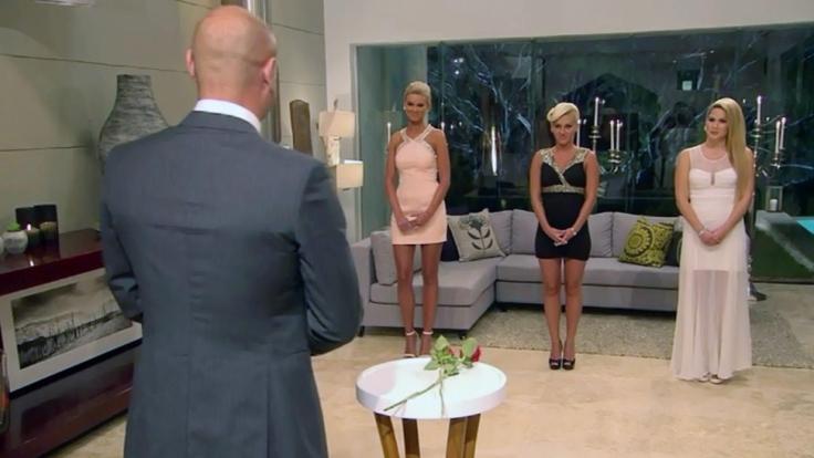 Für Kandidatin Susi (Mitte) war im «Bachelor»-Halbfinale Endstation.