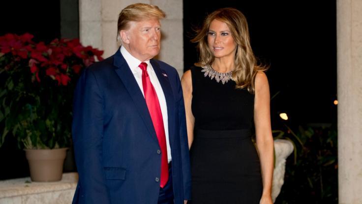 Muss Melania Trump sich Sorgen machen? Ihr Ehemann Donald Trump neckt derzeit leidenschaftlich eine andere Lady