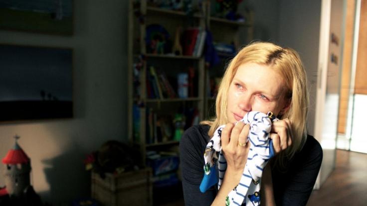 Billi Cramer (Veronica Ferres) trauert um Söhne und Mann. (Foto)