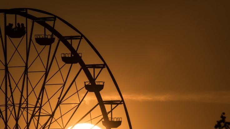 Erleben Sie einen romantischen Trip der besonderen Art: Sex im Riesenrad! (Foto)