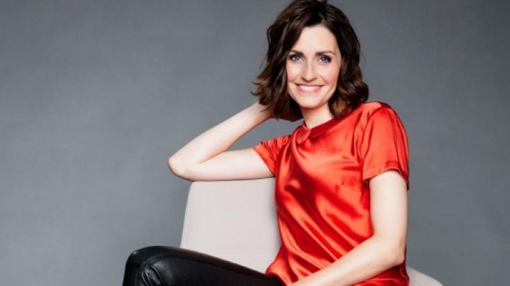 RTL-Moderatorin Bella Lesnik steht offen zu ihrer neuen Liebe mit Transmann Jill Deimel. (Foto)