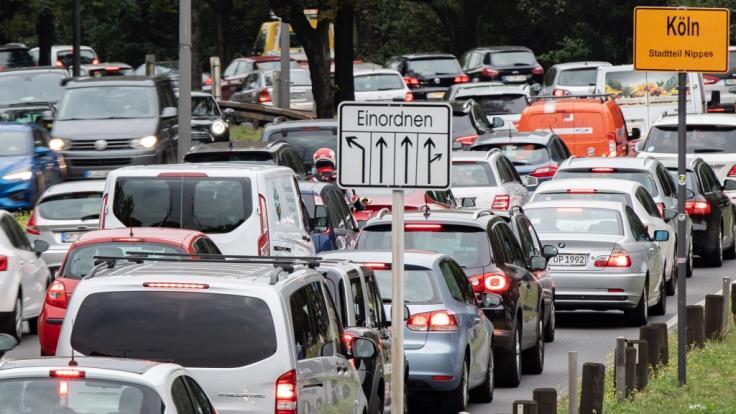 Wegen der strengen Ausgangsbeschränkungen bleiben deutschlandweit die Straßen fast staufrei. (Symbolfoto) (Foto)