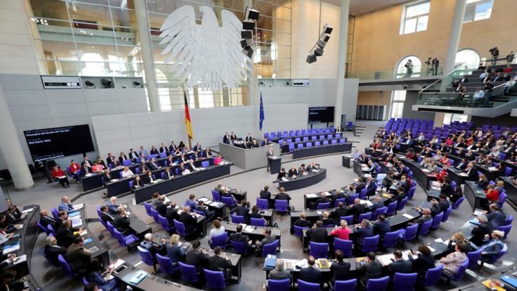 Die Kosten für den Bundestag sind enorm explodiert.
