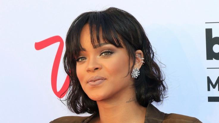 Für ihr neues Herzensprojekt zeigt sich Rihanna ihren Instagram-Fans verführerisch oben ohne. (Foto)