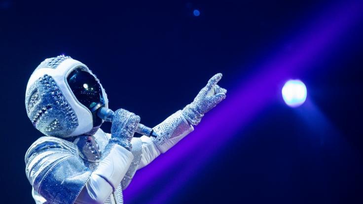 Im Astronauten-Kostüm steckte Sänger Max Mutzke.