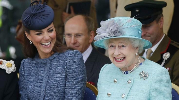 Diese Worte hat Queen Elizabeth II. Herzogin Kate verboten. (Foto)