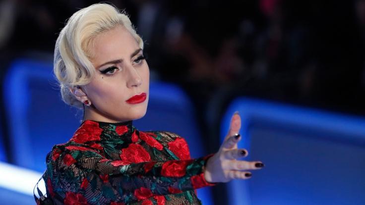 Lady Gaga zieht für das Cover des Paper Magazines blank. (Foto)