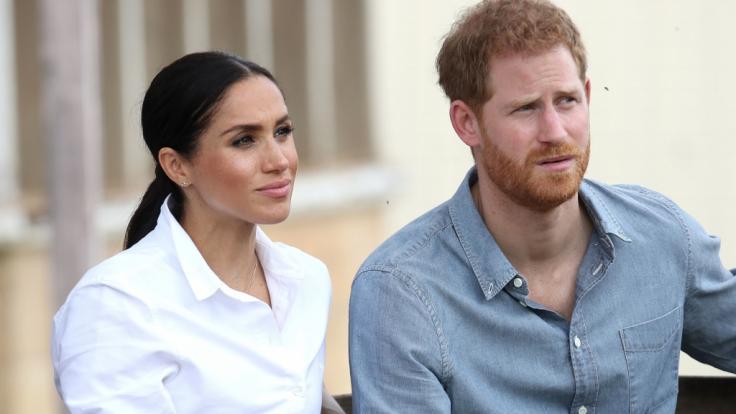 Meghan Markle und ihr Ehemann Prinz Harry müssen sich einige Kritik an ihrem Engagement für den Klimaschutz gefallen lassen.