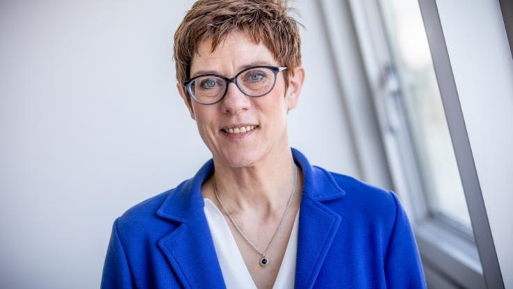 CDU-Chefin Kramp-Karrenbauer hat mit einem Wechsel in die Bundesregierung lange gezögert. (Foto)