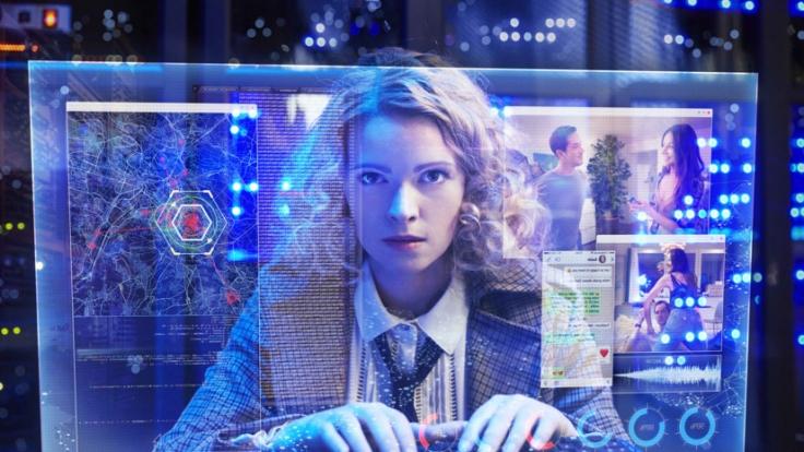 Jennifer Ulrich spielt Agentin Klara. (Foto)