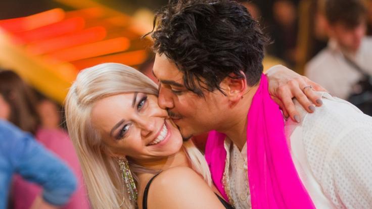 Oana Nechiti und Erich Klann sind seit 2009 bis über beide Ohren verliebt.