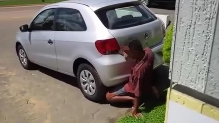 Dass Männer Sex mit Autos haben, ist keine Seltenheit.