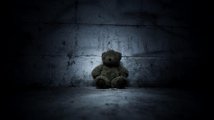 In England hat eine Mutter ihre toten Baby 20 Jahre lang in ihrem Schrank versteckt. (Foto)