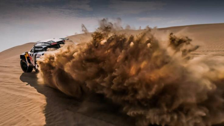 Die Rallye Dakar in Peru 2019 führt über 70 Prozent durch Wüstensand. (Symbolbild)