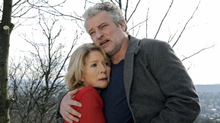 Agnes (Christiane Hörbiger) und Leo Wieland (Filip Peeters) sind als Ehepaar in Höhen und Tiefen vereint. (Foto)