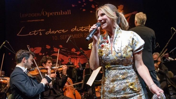 Kim Fisher war auch in diesem Jahr erneut die Moderatorin des Leipziger Opernballs. (Foto)