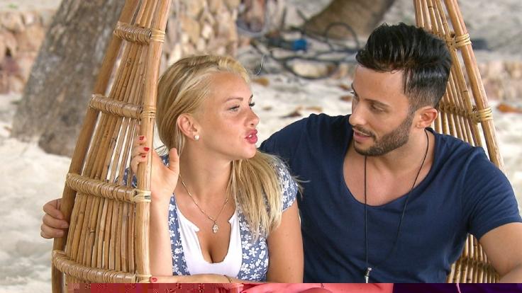 """Evelyn und Domenico hatten sich vor einigen Wochen in Thailand als Kandidaten von """"Bachelor in Paradise"""" kennengelernt. (Foto)"""