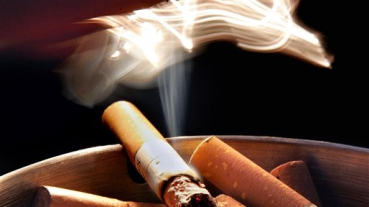 Es müssen keine Kettenraucher sein - auch gelegentliches Rauchen schadet. (Foto)