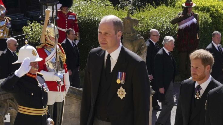 Die Nachrichten des Tages bei news.de: Haben sich Prinz William und Prinz Harry wieder versöhnt? Körpersprachexperten kennen die Antwort. (Foto)