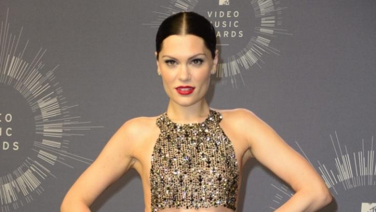 Sängerin Jessie J zeigt gern, was sie hat. (Foto)