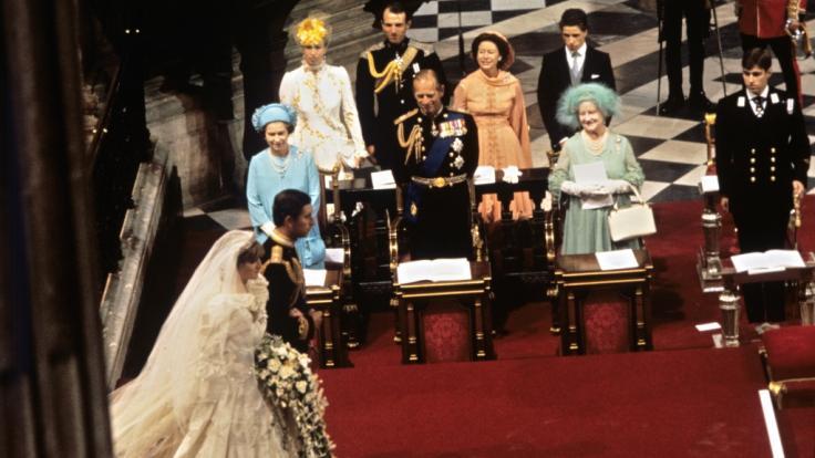 Bei der Hochzeit von Prinz Charles und Prinzessin Diana strahlte Schwiegervater Prinz Philip noch übers ganze Gesicht.