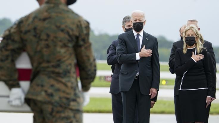 Joe Biden erhielt viel Kritik für sein Auftreten bei der Überführung der gefallenen US-Soldaten. (Foto)