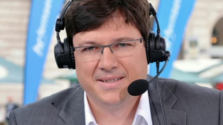Sportreporter und Kommentator Florian Naß begleitet Sportfans im öffentlich-rechtlichen Rundfunk durch Großereignisse wie die Fußball-EM 2021 oder die Tour de France. (Foto)