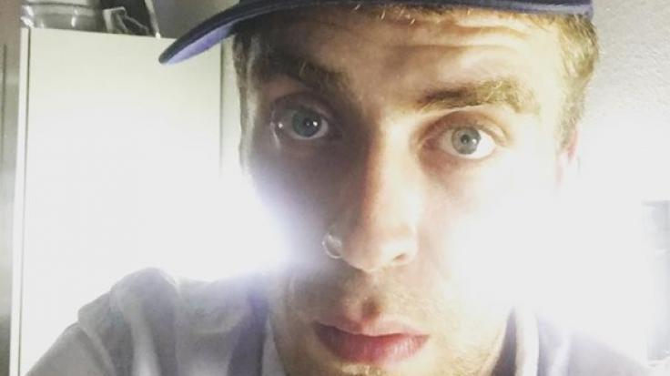 """Dieses Selfie hat Enrique Fiß auf seinem öffentlichen Instagram-Kanal gepostet - dazu ein Verweis auf seine Rolle im Stück """"paradies spielen"""" im Theater Erlangen. (Foto)"""