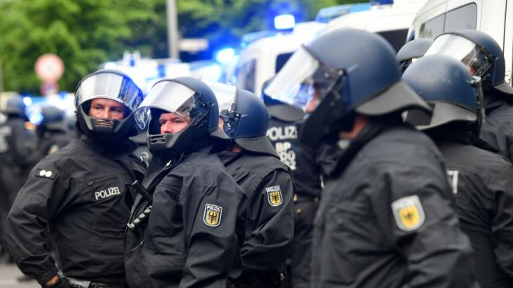 Die Polizei rüstet sich für Kundgebungen und Demonstrationen am 1. Mai 2021. (Foto)