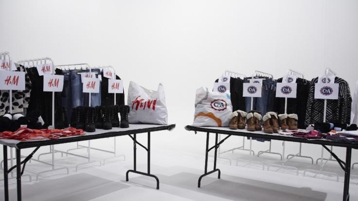 Die Modeketten C&A und H&M gehören zu den Lieblingen der Deutschen - doch welche Marke schneidet im großen Test besser ab? (Foto)