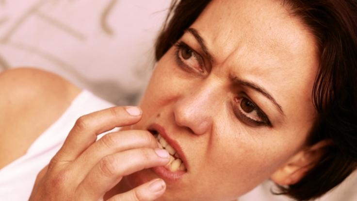 Nägelbeißen kann Ausdruck einer seelischen Erkrankung sein. (Foto)