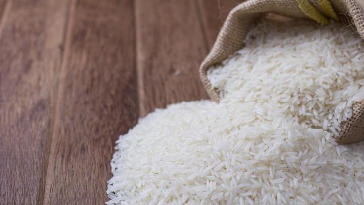 In China ist ein Sack Reis umgefallen.