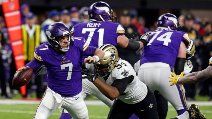 In der Profiliga NFL stehen die Minnesota Vikings im Halbfinal-Play-Off des Super Bowl gegen die Philadelphia Eagles auf dem Platz.