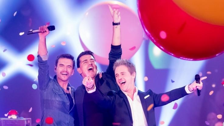 """Die Band Klubbb3 mit Moderator Florian Silbereisen, Jan Smit und Christoff beim """"Großen Fest der Besten"""". (Foto)"""