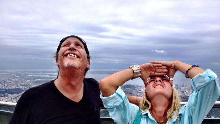 Thommy und Kathrin machen sich auf eine Reise entlang der Küste bis nach Rio de Janeiro.