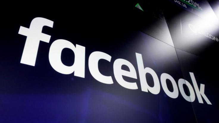 Beim Social-Media-Dienst Facebook wurden offenbar Hunderte Millionen Nutzer-Passwörter unverschlüsselt auf internen Servern gespeichert.