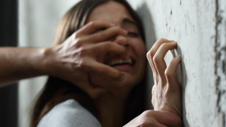 Erneut wurde eine junge Frau in Indien Opfer einen Massenvergewaltigung (Symbolbild).
