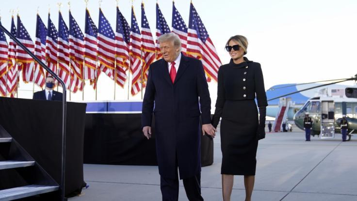 Hatte Trump bei seiner letzten Rede erneut ein Melania-Double dabei? (Foto)