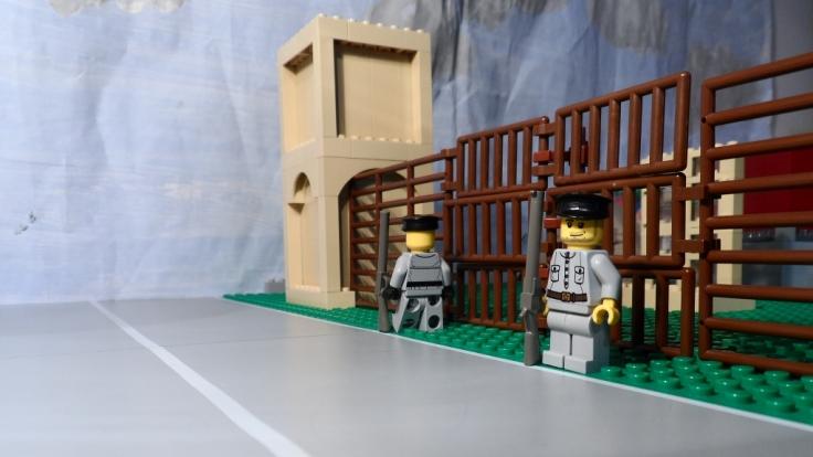 Das erste Konzentrationslager wird errichtet. (Foto)