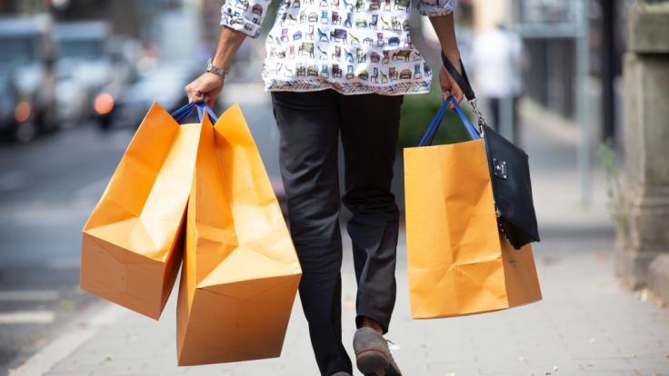 Wo kann man am Feiertag und Brückentag shoppen? (Foto)