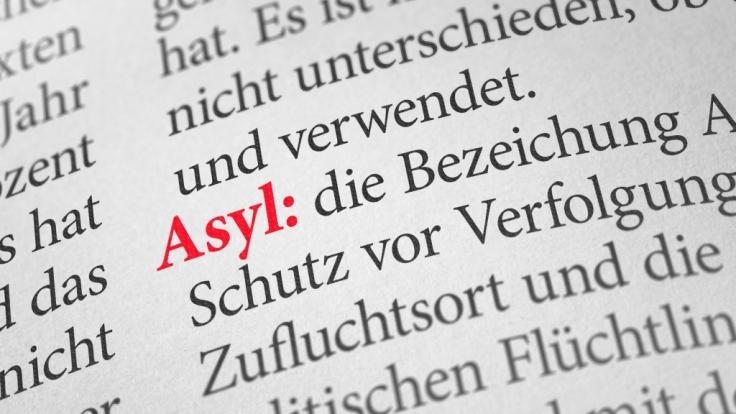 10 Lügen über Flüchtlinge in Deutschland. (Foto)