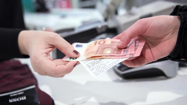 Beim Umtausch mangelfreier Ware sind Verbraucher auf die Kulanz der Händler angewiesen.